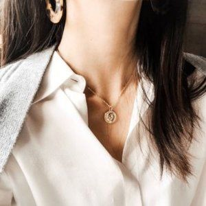 Coin Medallion Necklace (Gold)